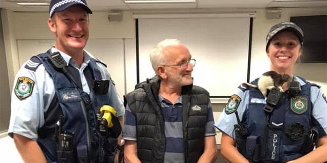 Westlake Legal Group Rat-kissing-2 Cops reunite homeless Australian man with his pet rat Paulina Dedaj fox-news/world/world-regions/australia fox-news/odd-news fox news fnc/world fnc d73e140f-18b3-503f-bf4d-a04b80938b1d article