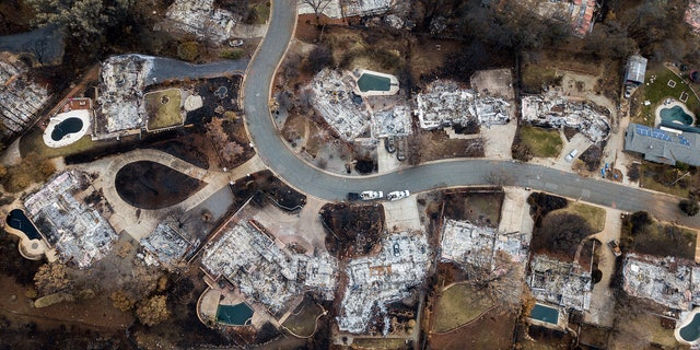 Water officials say the drinking water in Paradise, which was decimated by a wildfire last year, is contaminated with the cancer-causing chemical benzene.