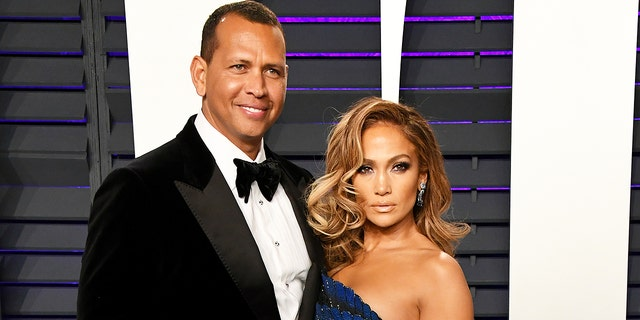 Alex Rodriguez and Jennifer Lopez attend the 2019 Vanity Fair Oscar Party.