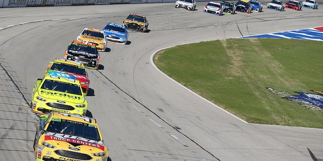 Bowyer was at a disadvantage leading the pack at the end of the first qualifying round.