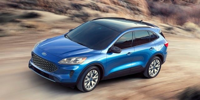 Best Selling Cars 2020.2020 Ford Escape Revealed With More Room And Plug In Hybrid