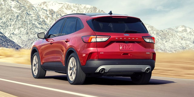 2020 Ford Escape revealed with more room and plug-in ...