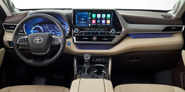 Westlake Legal Group h4 The 2020 Toyota Highlander aims for the top at the New York International Auto Show Gary Gastelu fox-news/news-events/new-york-auto-show fox-news/auto/style/suv fox-news/auto/make/toyota fox-news/auto/attributes/hybrids fox news fnc/auto fnc article 20876b6b-9a85-5e92-bcd0-5e509a8c130c