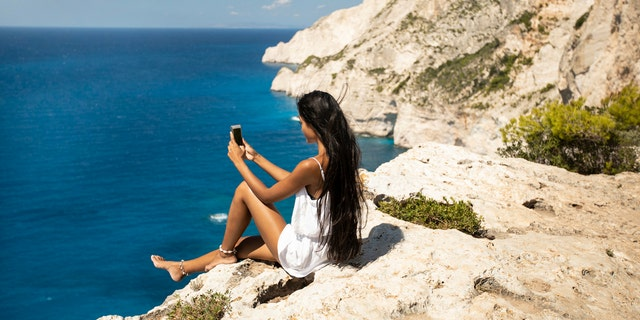 Westlake Legal Group iStock-1085598452 Tourists ignore warnings, pose at cliffside hours after woman dies taking selfies fox-news/travel/regions/australia fox news fnc/travel fnc article Alexandra Deabler 4ec8636b-1ff7-5c86-8a7c-26b67172512e