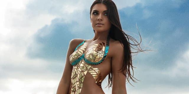 Westlake Legal Group sdfgh Duct-tape bikini trend invades Coachella, receives mixed feedback from festivalgoers Jennifer Earl fox-news/style-and-beauty fox news fnc/lifestyle fnc c52f451b-5e0e-571a-b707-31ff9a41661c article