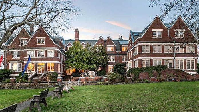 61-bedroom Oregon manor selling for just under $9 million