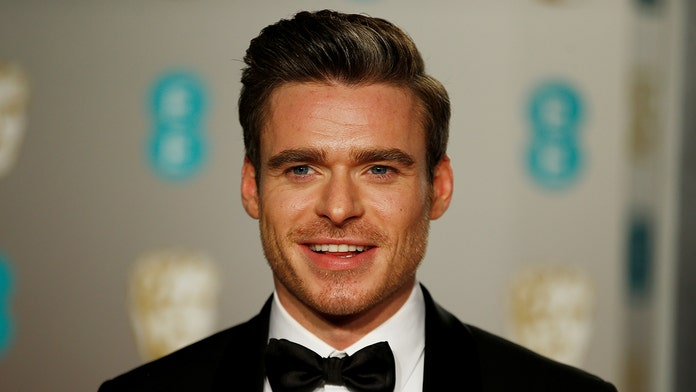 Actor Richard Madden says he 'dreads' filming sex scenes