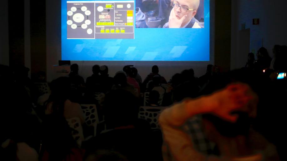 Israeli spacecraft crashes onto moon during landing