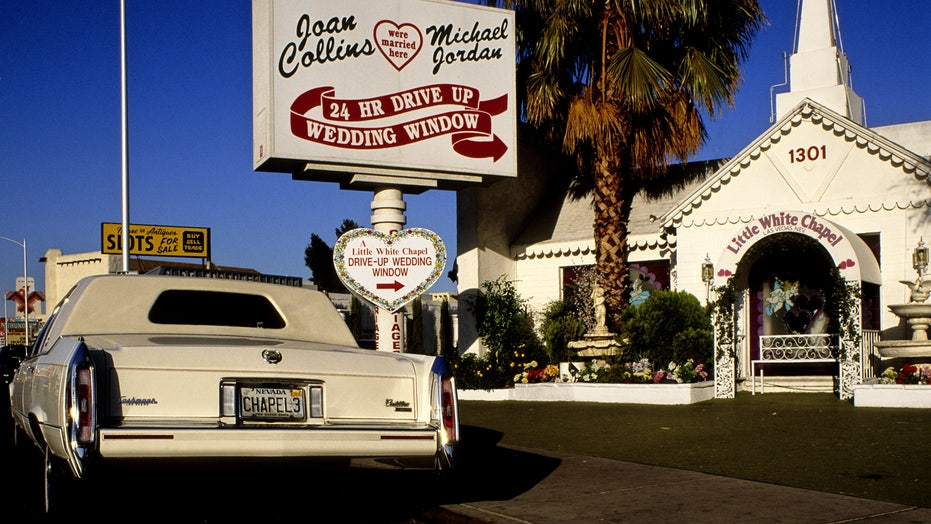 Lil Wedding Chapel.Original Owner Of A Little White Chapel Selling Las Vegas Landmark