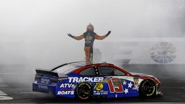 Martin Truex Jr. wins Coca-Cola 600 with 4-wide pass