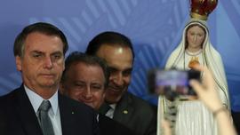 Amid early struggles, Bolsonaro's supporters call for demos