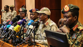 No deal but Sudanese army, protesters will keep talking