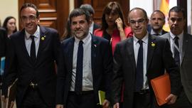 Spain: 5 Catalan separatist prisoners escorted to Parliament