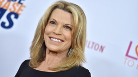 Vanna White hosts 'Wheel of Fortune' for the first time -- and fans are loving it