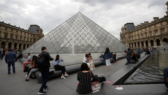 Louvre closed after employees strike amid overcrowding