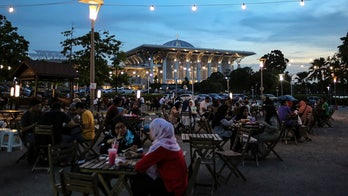 Malaysian officials to pose as waiters, cooks to catch Muslims not fasting during Ramadan