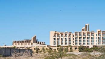 Gunmen storm luxury 5-star hotel in Pakistan, battle security forces