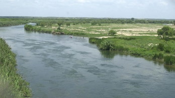 10-month-old found dead, 3 others missing after raft overturns attempting to cross Rio Grande