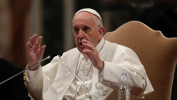 Pope pays tribute to journalists killed in the line of duty, says press freedom is vital