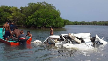 5 tourists, including Americans, killed when plane crashes into sea after takeoff in Honduras