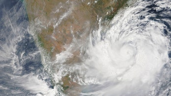 'Extremely severe' cyclone targets India, sparking evacuation of over 800,000 people