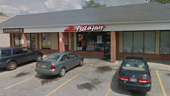 Pizza Hut customer threatens to kill manager over lack of pepperoni on pizza, police say