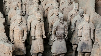 Retrial planned for Delaware man who broke thumb off $4.5M terracotta warrior statue