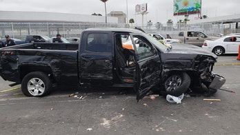 American arrested in Mexico trying to rush Tijuana border, 17 cars, 5 people: police