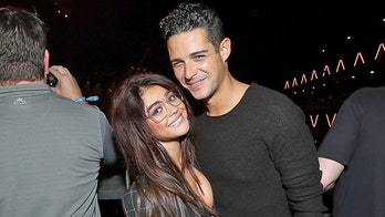 Sarah Hyland, Wells Adams' parents haven't met because of political differences