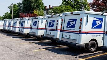 Retiring mailman's heartwarming sendoff goes viral