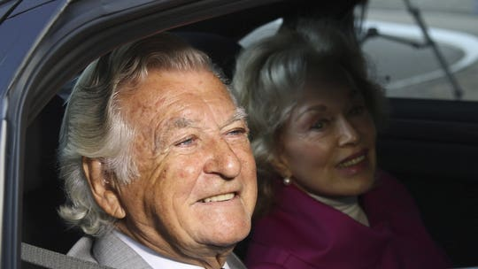 Bob Hawke, beloved ex-Australian prime minister, world record-holding drinker, dies age 89