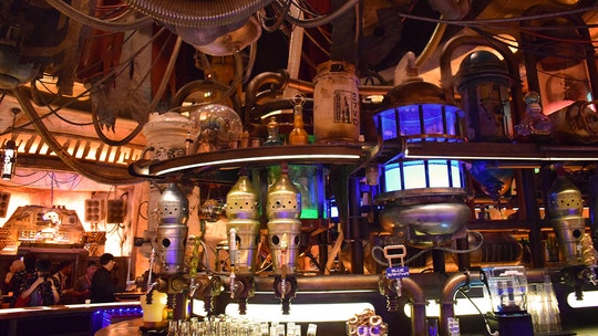 Oga's Cantina at Disneyland's Star Wars: Galaxy's Edge now accepting reservations 60 days in advance