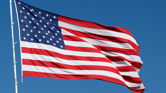 Army sergeant battles HOA over American flag display