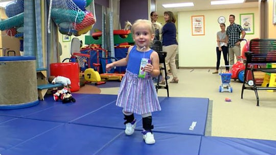 Florida toddler with spina bifida uses 'Baby Shark' tune to learn how to walk