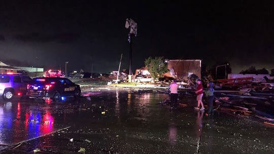 Tornado strikes El Reno, Oklahoma; at least 2 deaths confirmed: reports
