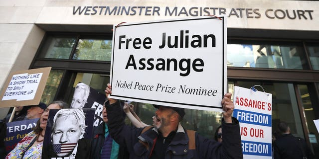 Westlake Legal Group 2000-2 Julian Assange refuses extradition to US, says he won't 'surrender' during British court appearance via video link Lukas Mikelionis fox-news/world/world-regions/united-kingdom fox-news/person/julian-assange fox news fnc/world fnc article abbc7f22-52b6-556b-8d53-e622b9870ae2
