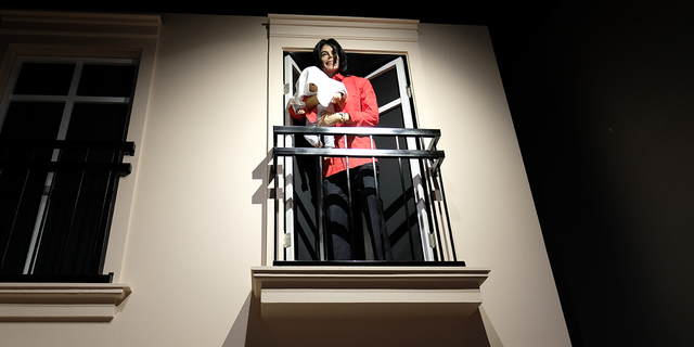 Above the animatronic Michael Jackson (which is enclosed in a hyperbaric chamber), another Michael Jackson likeness appears up on a balcony.