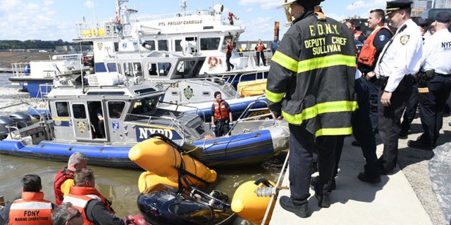 Helicopter goes down in Hudson River near Midtown Manhattan
