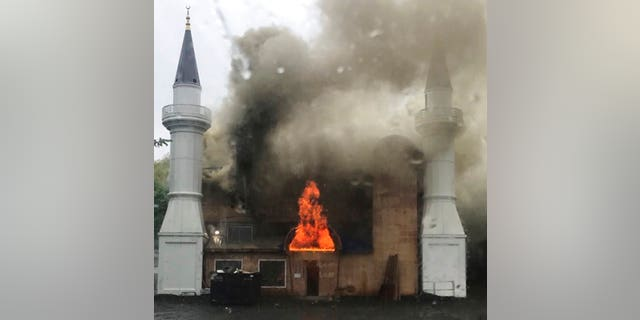 "A fire broke out at the Diyanet Mosque in New Haven, Conn., on Sunday, fire officials said.<br data-cke-eol=""1"">"