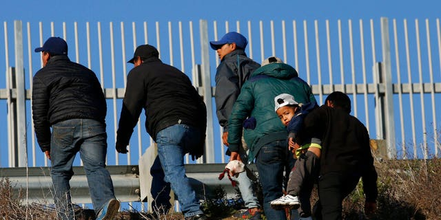 Westlake Legal Group AP19137182194241 Migrants dropped off at bus stations in Southern California amid swelling border detentions: report fox-news/us/immigration fox news fnc/us fnc Bradford Betz article 8164d61a-2a4c-5d57-a0e0-4b0e45cf92dd