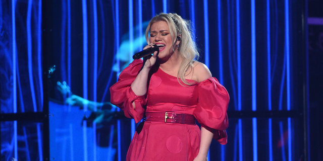 Kelly Clarkson hosted and performed at the Billboard Music Awards on Wednesday, May 1, 2019. Just hours after the show, she had her appendix removed. (Photo by Chris Pizzello/Invision/AP)
