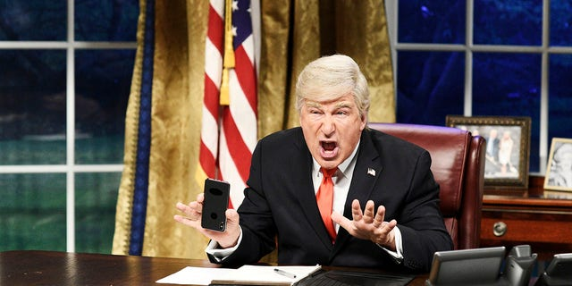 """Tonight I'm going to have myself a real good time,"" Alec Baldwin as President Trump says on ""SNL""'s season finale. <br data-cke-eol=""1"">"