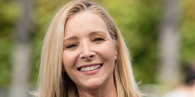 Lisa Kudrow visits Extra during Universal Studios Hollywood on Apr 09, 2019 in Universal City, California.