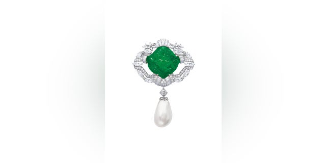 The above brooch, featuring an Ana Maria pearl, is set for auction at Christie's.