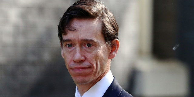 Britain's Secretary of State for International Development Rory Stewart is seen outside Downing Street, as uncertainty over Brexit continues, in London, Britain May 21, 2019. REUTERS/Hannah Mckay - RC1EDD17DD90