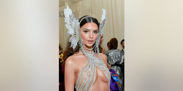 NEW YORK, NEW YORK - MAY 06: Emily Ratajkowski attends The 2019 Met Gala Celebrating Camp: Notes on Fashion at Metropolitan Museum of Art on May 06, 2019 in New York City. (Photo by Mike Coppola/MG19/Getty Images for The Met Museum/Vogue )
