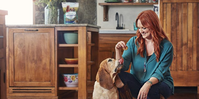 Backed by Purina's 90 years of experience in pet nutrition, The Pioneer Woman? Dog Treats line is inspired by Ree Drummond's love for dogs and home cooking.