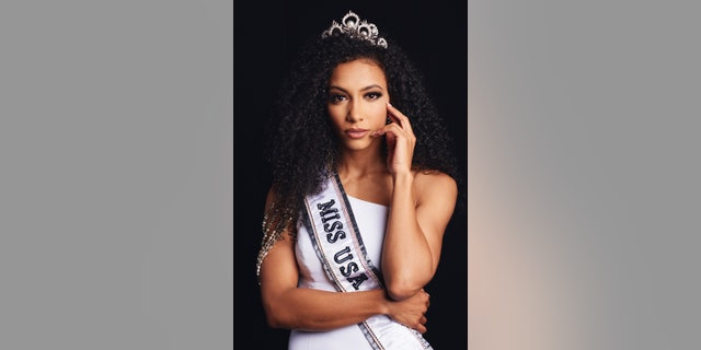 Cheslie Kryst, Miss North Carolina USA 2019, was crowned the new Miss USA 2019.
