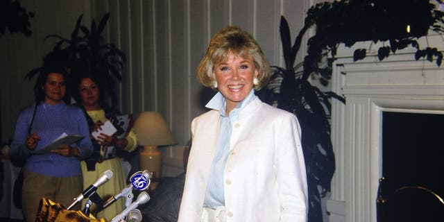 Doris Day prepares to speak at a press conference at the dog friendly hotel she owns in Carmel, California July 16, 1985 ( Photo by Paul Harris/Getty Images )