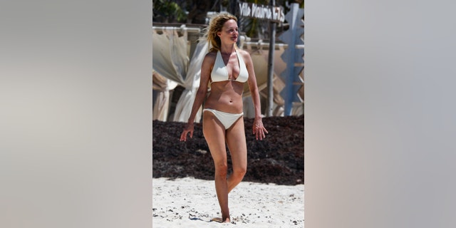 Actress, Heather Graham, sizzles out in Tulum as she enjoys her vacation